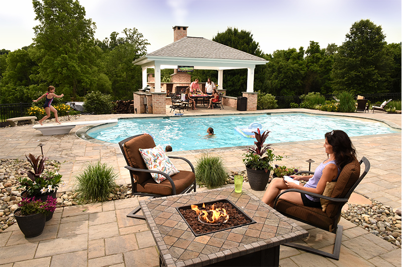 Outdoor-pool-landscaping